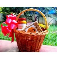 """Healthy Organic Goodies"" Gift Basket"